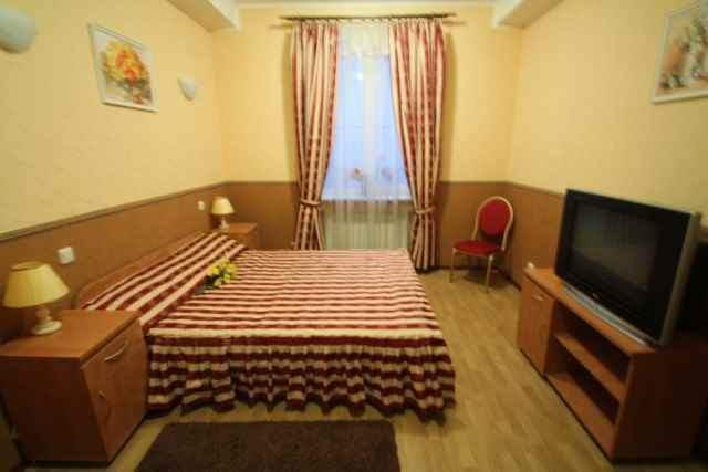 Продам отель Борисполь, Киевский Шлях ул. 4