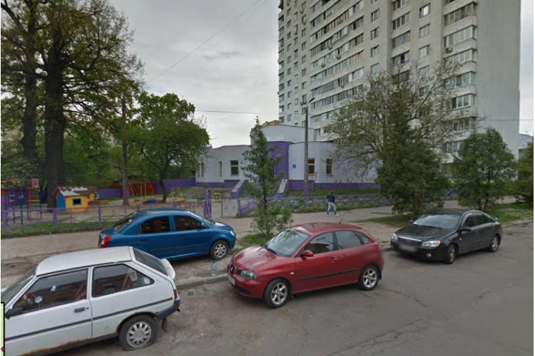 Продам отдельно стоящий офис Киев, Салютная ул.