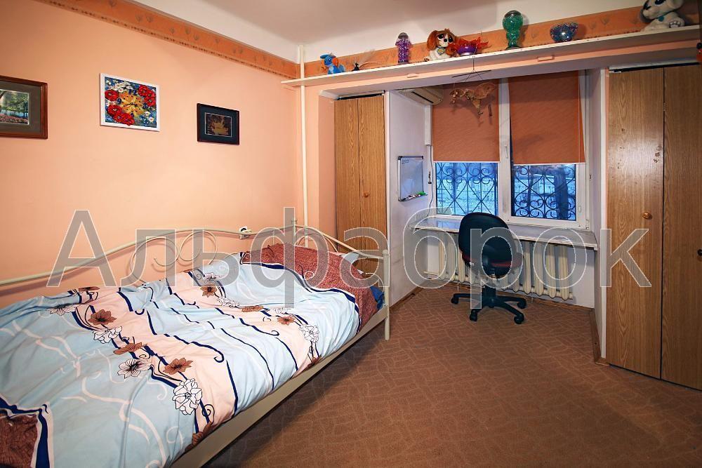 Продам квартиру Киев, Окипной Раисы ул. 2