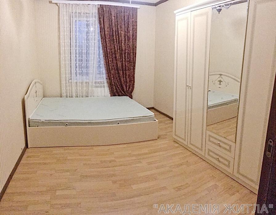 Сдам квартиру Киев, Бережанская ул.