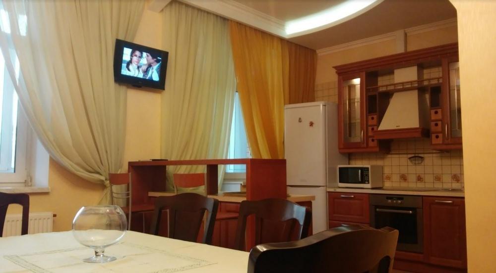 Сдам квартиру Киев, Евгения Коновальца ул.