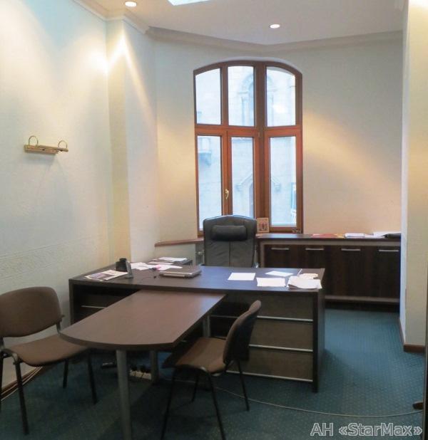 Фото - Продам офис в многоквартирном доме Киев, Шелковичная ул.