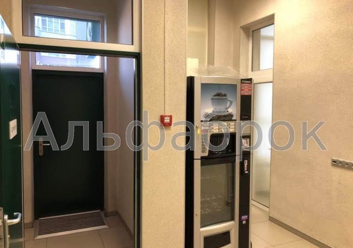 Продам офис в многоквартирном доме Киев, Механизаторов ул.