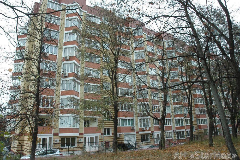 Продам квартиру Киев, Салютная ул. 5