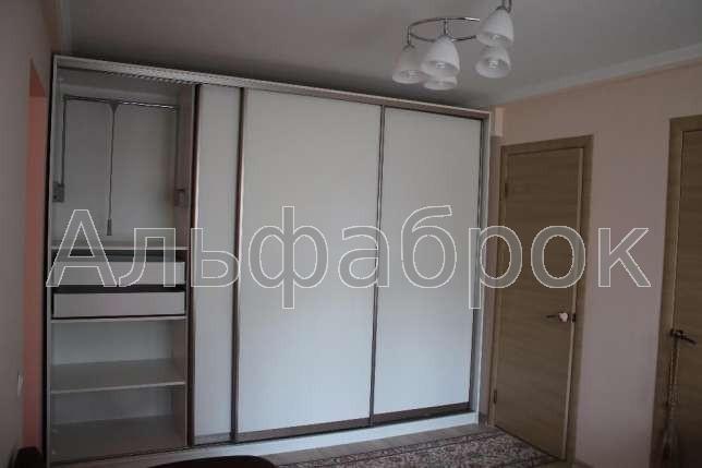 Продам квартиру Киев, Каунасская ул. 3