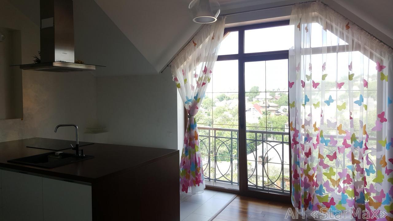 Продам квартиру Киев, Лисичанская ул. 3