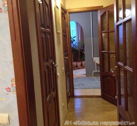 Продам квартиру Киев, Цветаевой Марины ул. 5