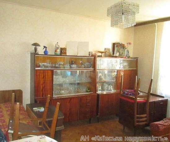 Продам квартиру Киев, Святошинская ул.