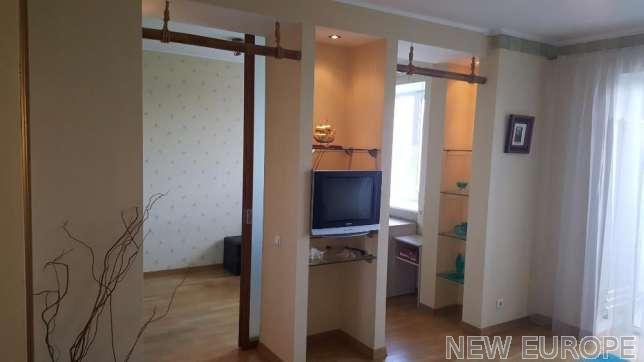 Продам квартиру Киев, Смелянская ул. 3