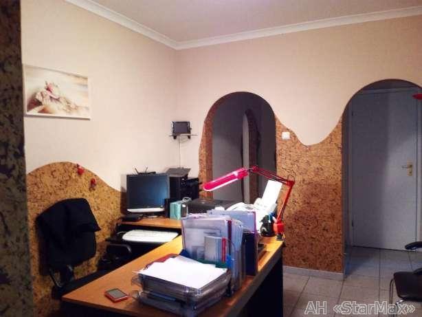 Продам офис в многоквартирном доме Киев, Гмыри Бориса ул. 2