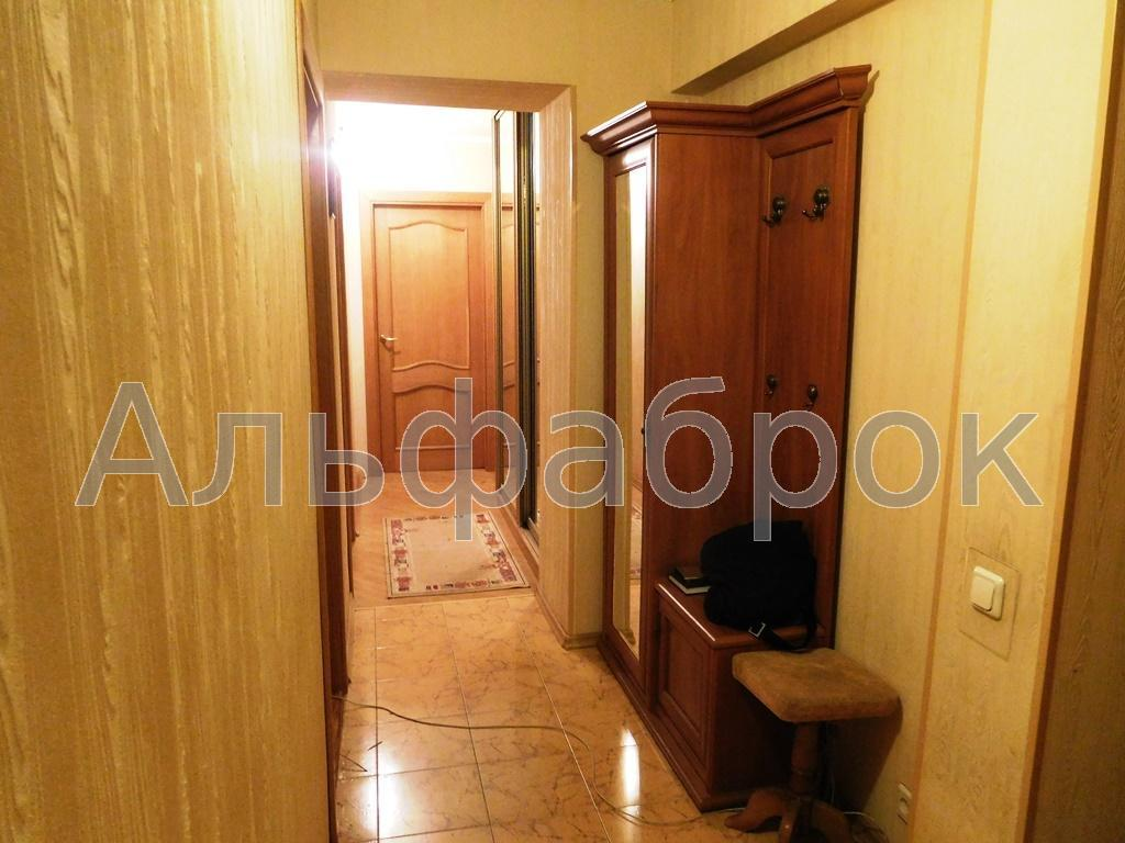 Продам офис в многоквартирном доме Киев, Белецкого Академика ул. 3