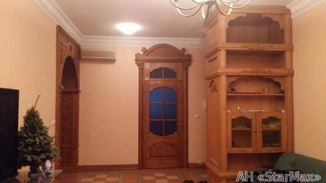 Продам квартиру Киев, Братская ул. 3