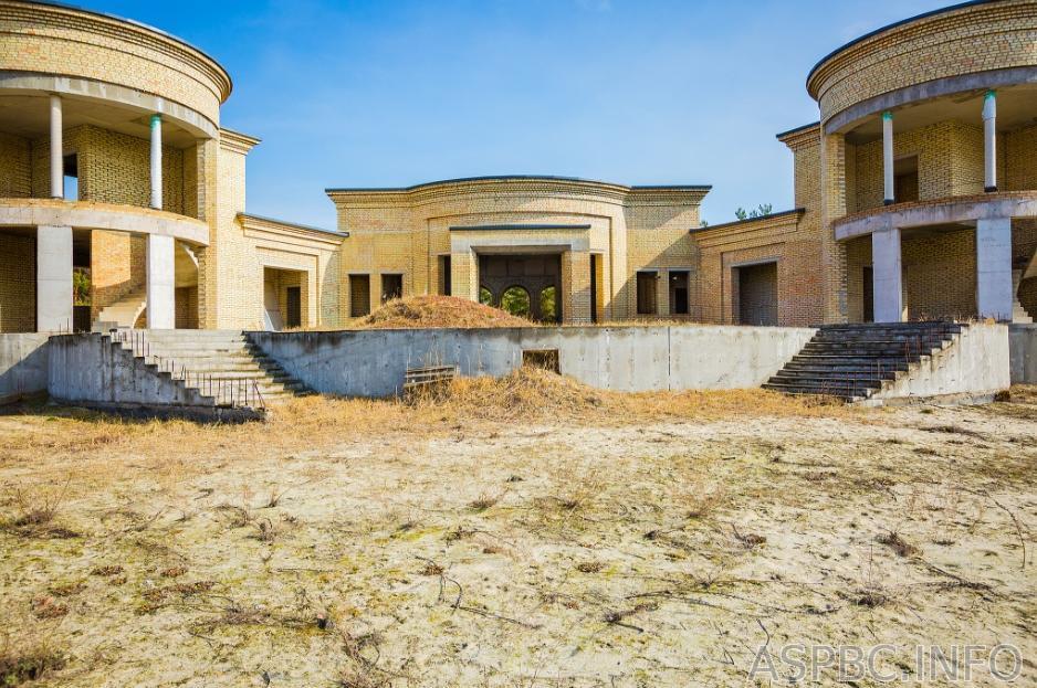 Продам дом недострой Обухов 3