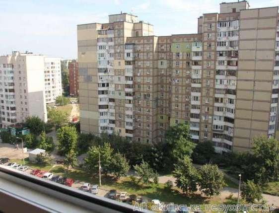 Продам квартиру Киев, Святошинская пл. 3