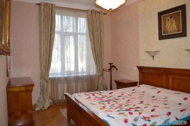 Продам квартиру Киев, Банковая ул. 5