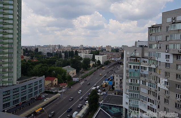 Продам квартиру Киев, Лобановского ул. 3
