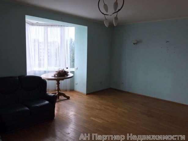 Продам квартиру Киев, Красноткацкая ул. 2