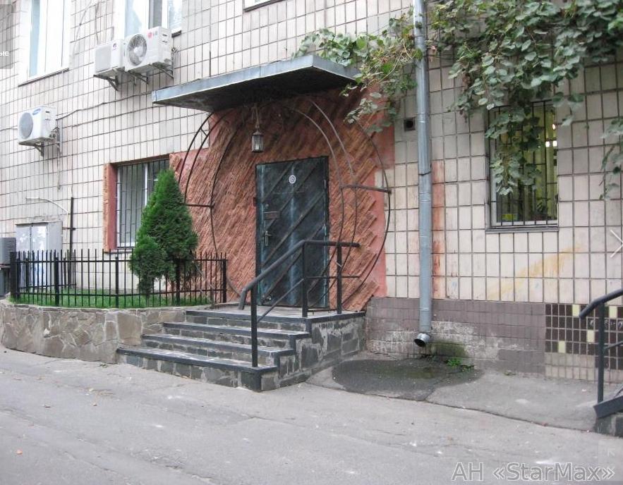 Продам торговое помещение Киев, Липковского Василия Митрополита ул. 2