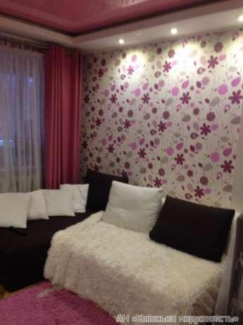 Продам гостинку Киев, Вернадского Академика бул. 2
