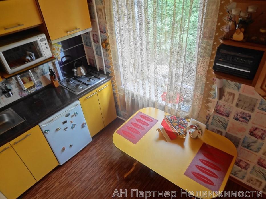 Продам квартиру Киев, Выборгская ул.