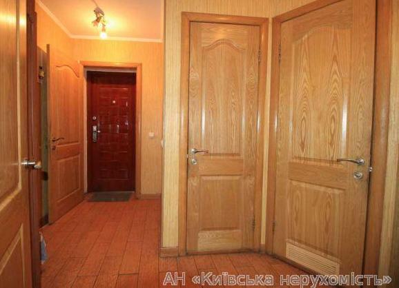 Продам квартиру Киев, Речная ул. 4