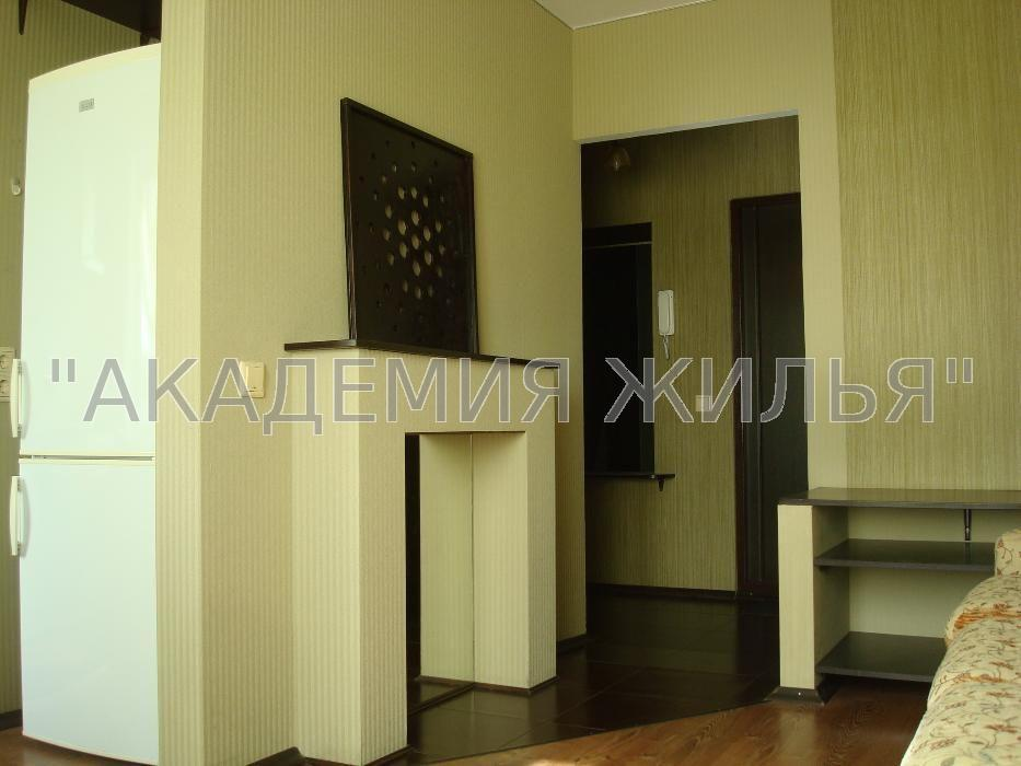 Сдам квартиру Киев, Луначарского пер.