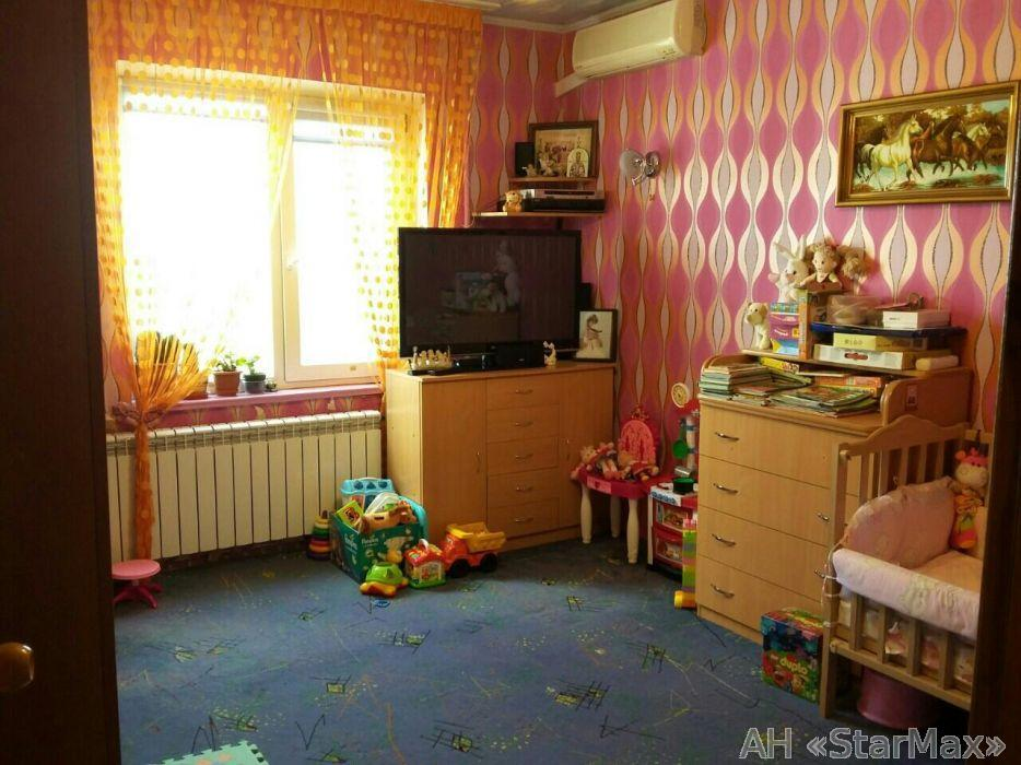 Фото - Продам квартиру Киев, Северная ул.