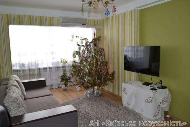 Продам квартиру Киев, Жукова Маршала ул. 2