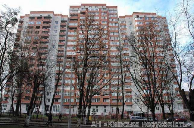 Продам квартиру Киев, Волынская ул. 2