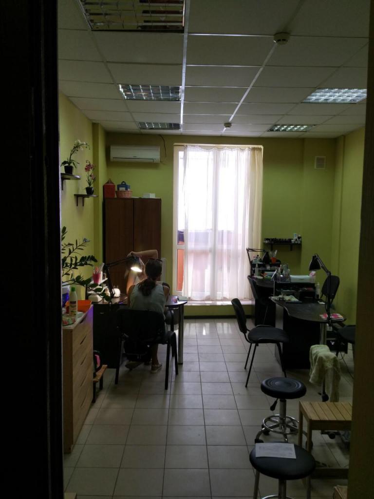 Продам офис в многоквартирном доме Харьков, Отакара Яроша ул. 2