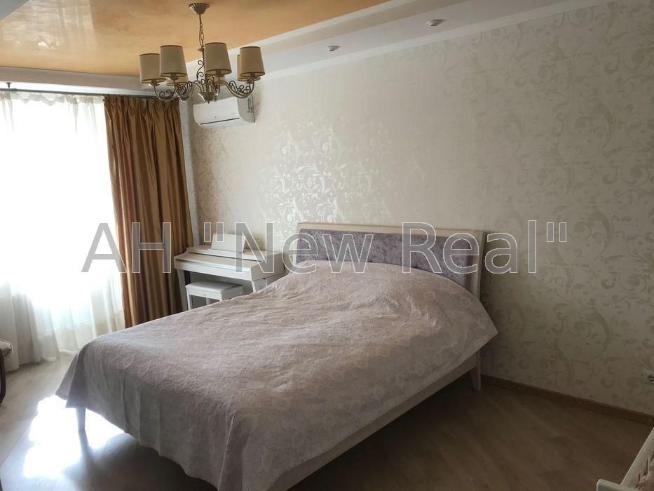 Продам отличную двухкомнатную квартиру Ушинского 14б