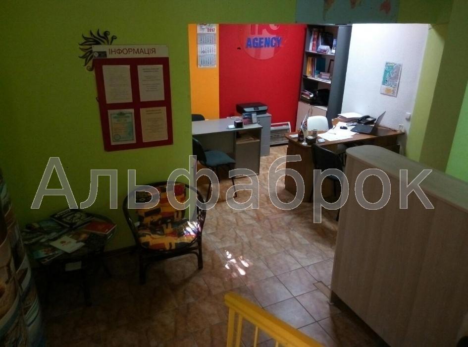 Продам офис в многоквартирном доме Киев, Драгоманова ул.