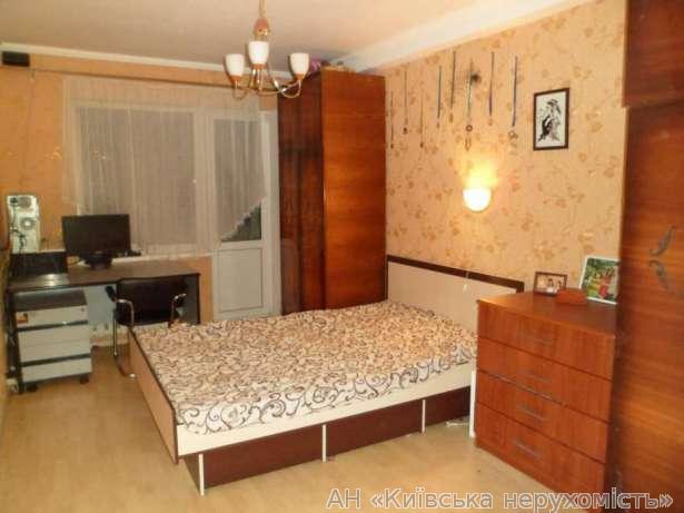 Фото 2 - Продам квартиру Киев, Кирилловская ул.
