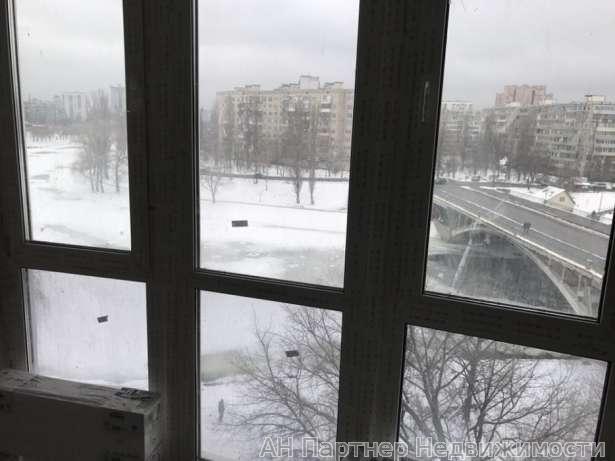 Продам квартиру Киев, Воссоединения пр-т 4