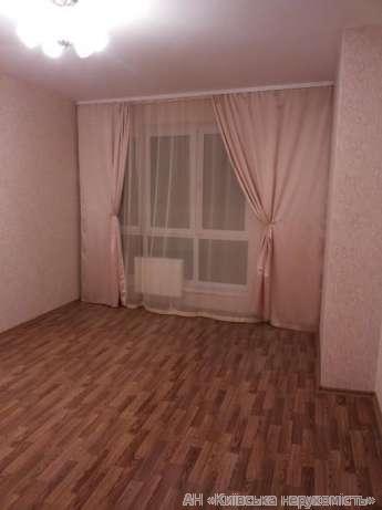 Фото - Продам квартиру Киев, Моторный пер.