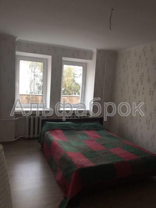 Продам квартиру Киев, Межигорская ул.