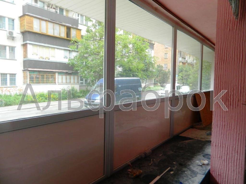 Продам торговое помещение Киев, Новгородская ул. 5