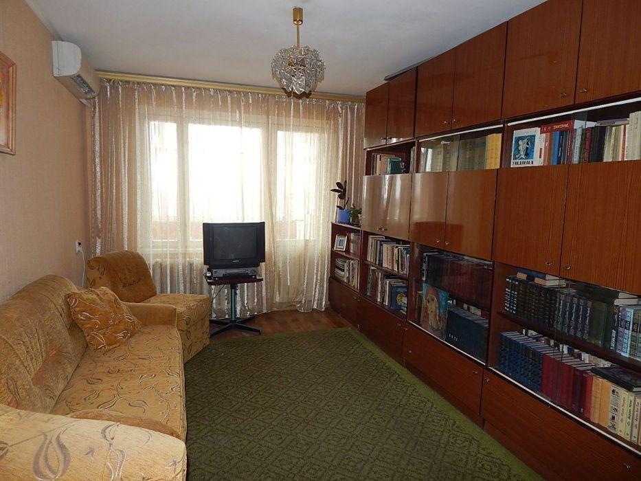 Продам квартиру Днепропетровск, Набережная Победы ул.