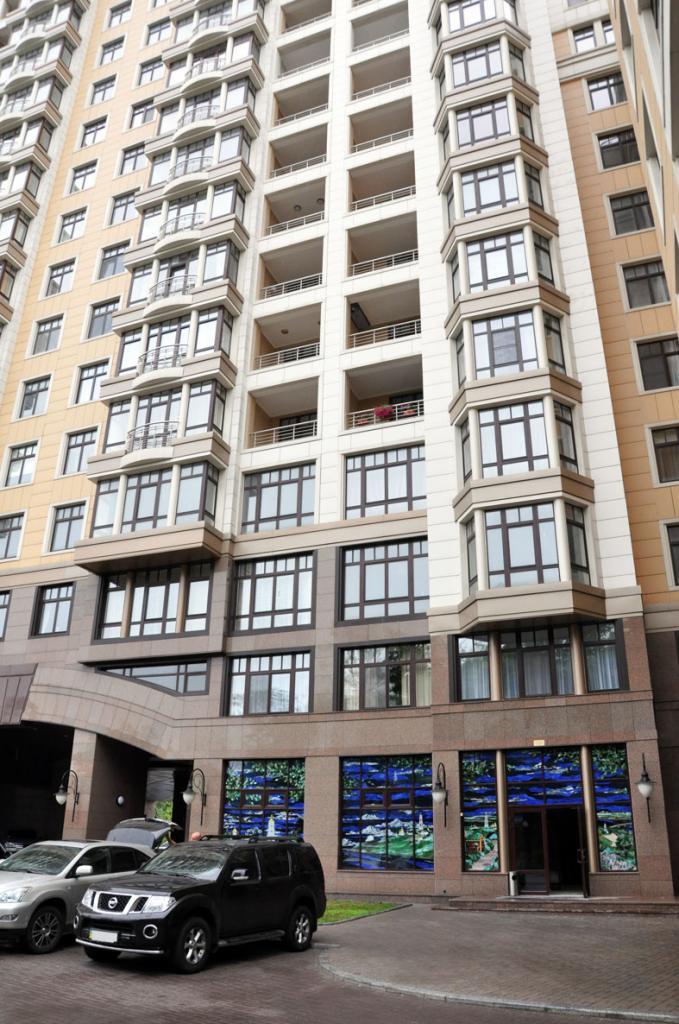 Продам офис в многоквартирном доме Киев, Грушевского Михаила ул. 5
