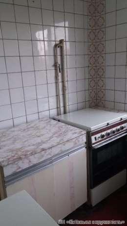 Продам квартиру Киев, Метростроевская ул. 3