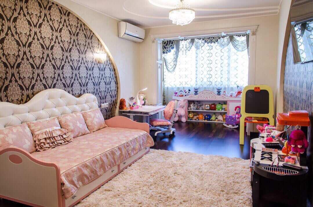 Продам апартаменты Днепропетровск, Коммунаровская ул.