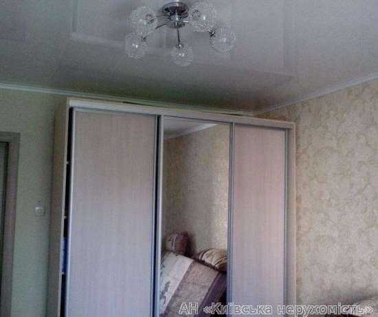 Продам квартиру Киев, Святошинская ул. 2