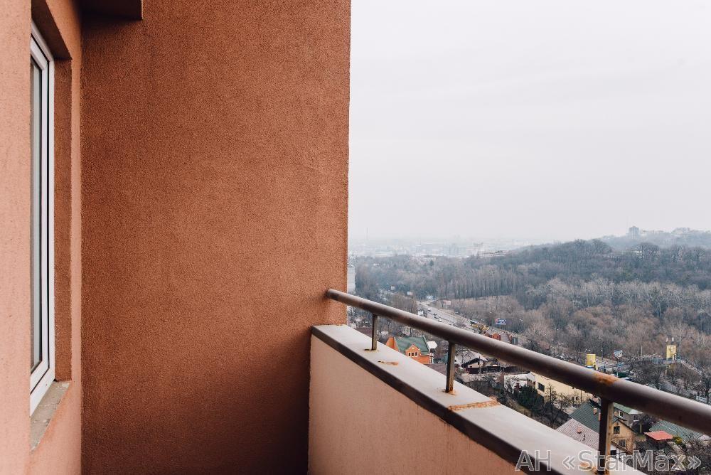 Продам квартиру Киев, Петропавловская ул. 3