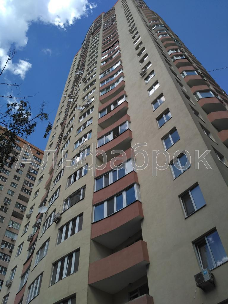 Продам офис в многоквартирном доме Киев, Олевская ул.
