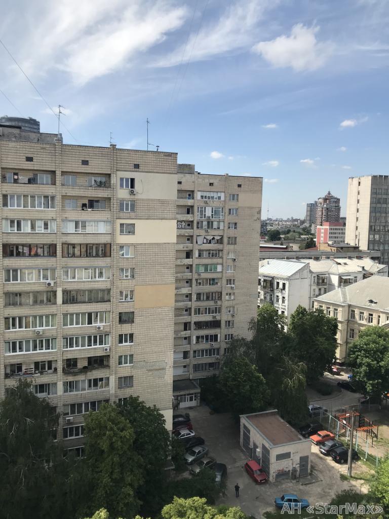 Продам квартиру Киев, Левандовская ул. 5