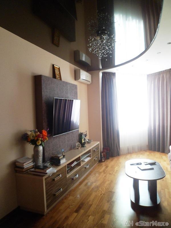 Продам квартиру Киев, Салютная ул.