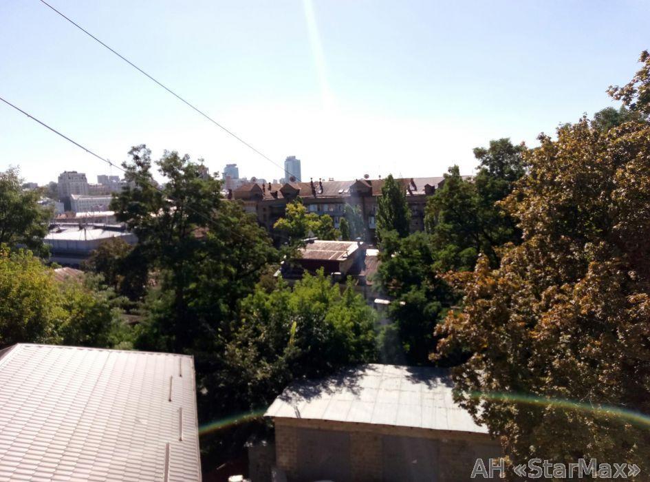 Продам квартиру Киев, Малоподвальная ул. 5