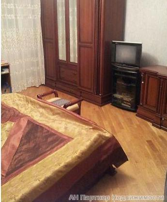 Продам квартиру Киев, Днепровская наб. 3