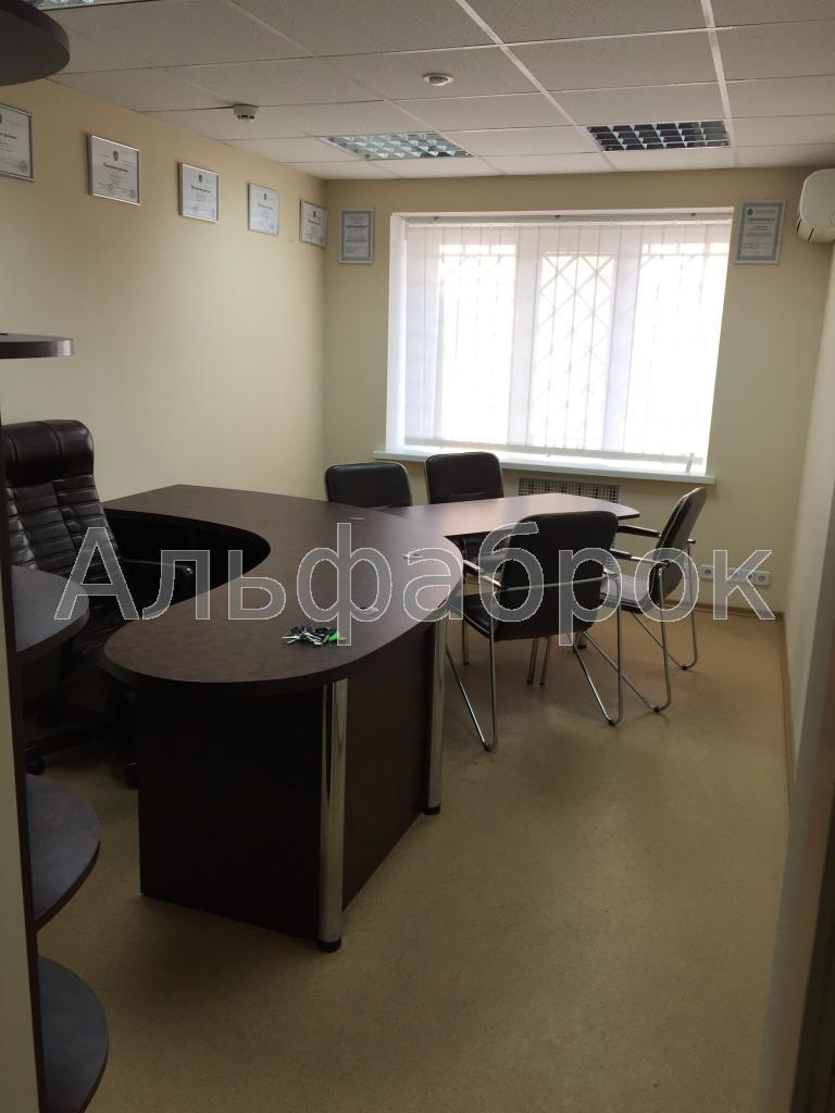 Сдам офис в многоквартирном доме Киев, Леси Украинки бул.