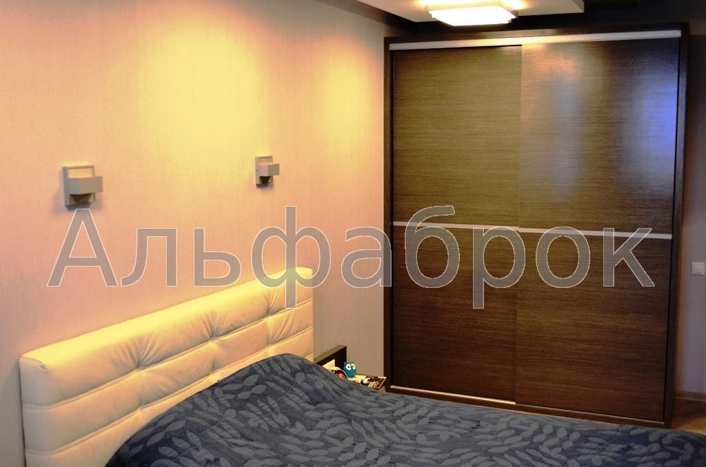 Продам квартиру Киев, Воскресенская ул. 2
